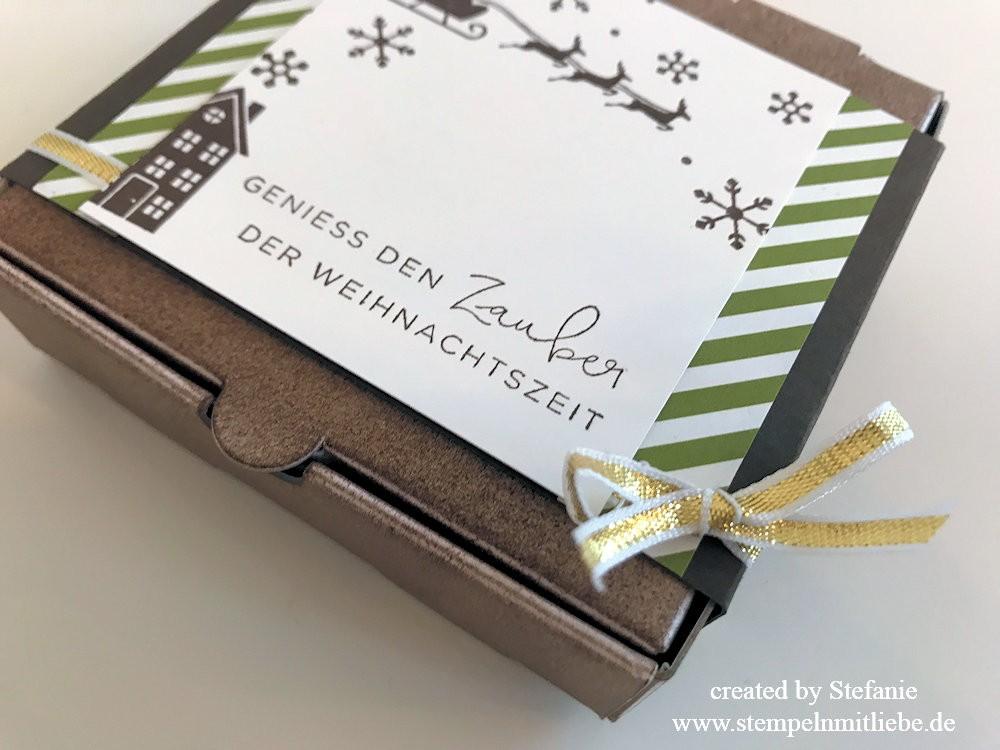 Weihnachtlicher Pizzakarton Global Design Project 102 05