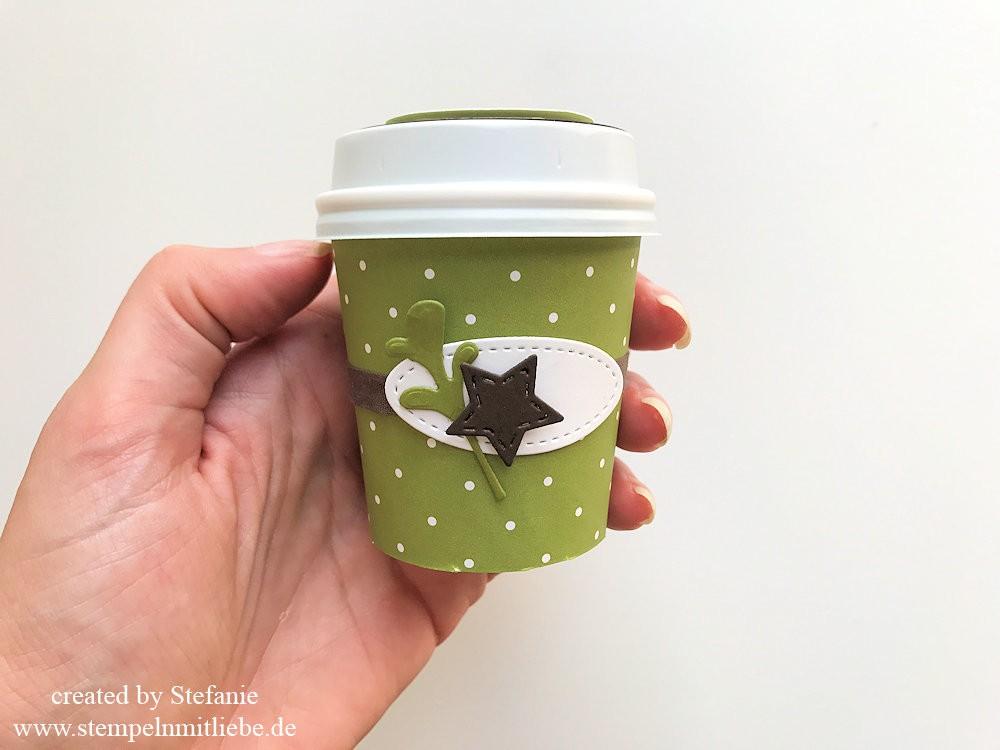 Mini-Kaffeebecher zu Weihnachten