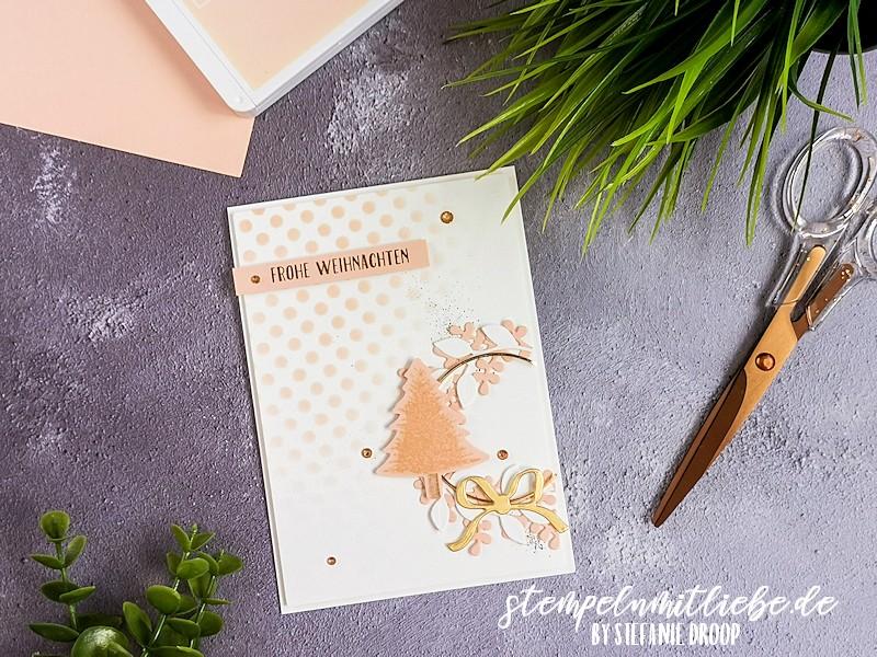 Weihnachtskarte in Blütenrosa - Schmück den Kranz - Tannen & Karos - Stanze Nadelbaum - Goldreif