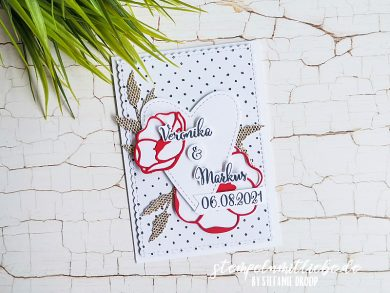 Individuelle Hochzeitskarte mit Sommerblüten